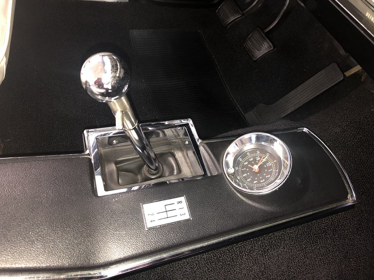 Name:  1a_The unique to early 66 picture frame shift boot.jpeg Views: 771 Size:  212.4 KB